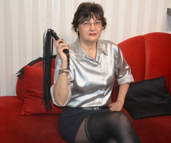 mature mistress cams