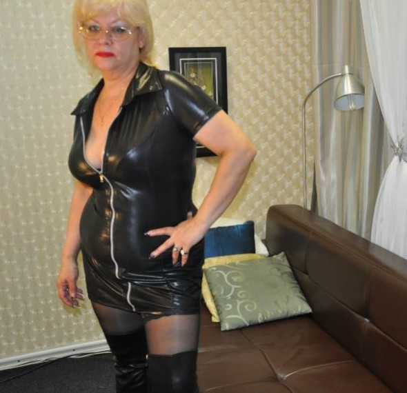 Granny Mistress cams, strict older Mistress